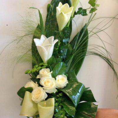 Surukimppu pisara valkoinen ruusu